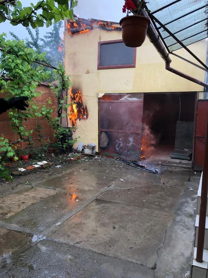 Incendiu la o moară din municipiul Sibiu. Pompierii intervin cu două autospeciale
