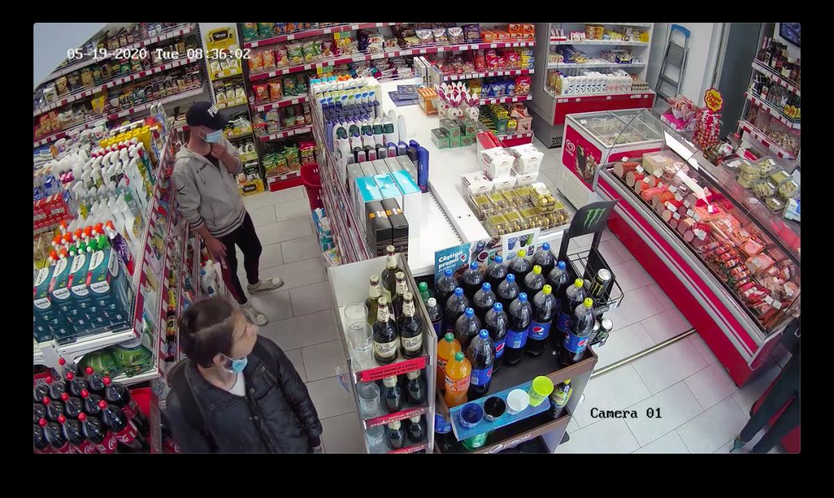 VIDEO-Hoți filmați la furat în Cartierul Arhitecților. Poliția îi caută