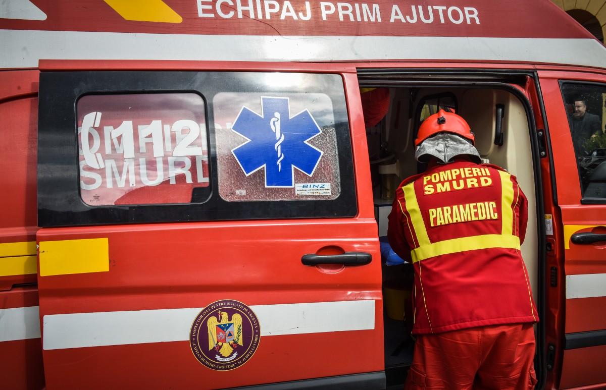 Motociclist lovit de mașină, pe Calea Cisnădiei. A fost transportat la spital