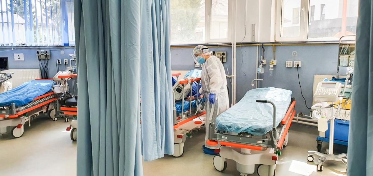 11 persoane din sistemul de sănătate sibian sunt încă internate după ce au fost testate pozitiv cu SARS CoV-2