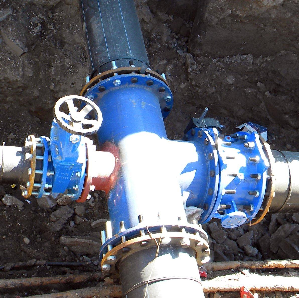 Lucrări la rețeaua de distribuție a apei din Șura Mică