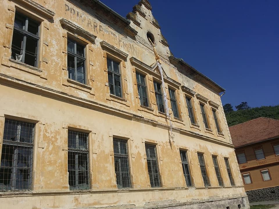 Biserica Evanghelică vinde fosta școală din Șeica Mare