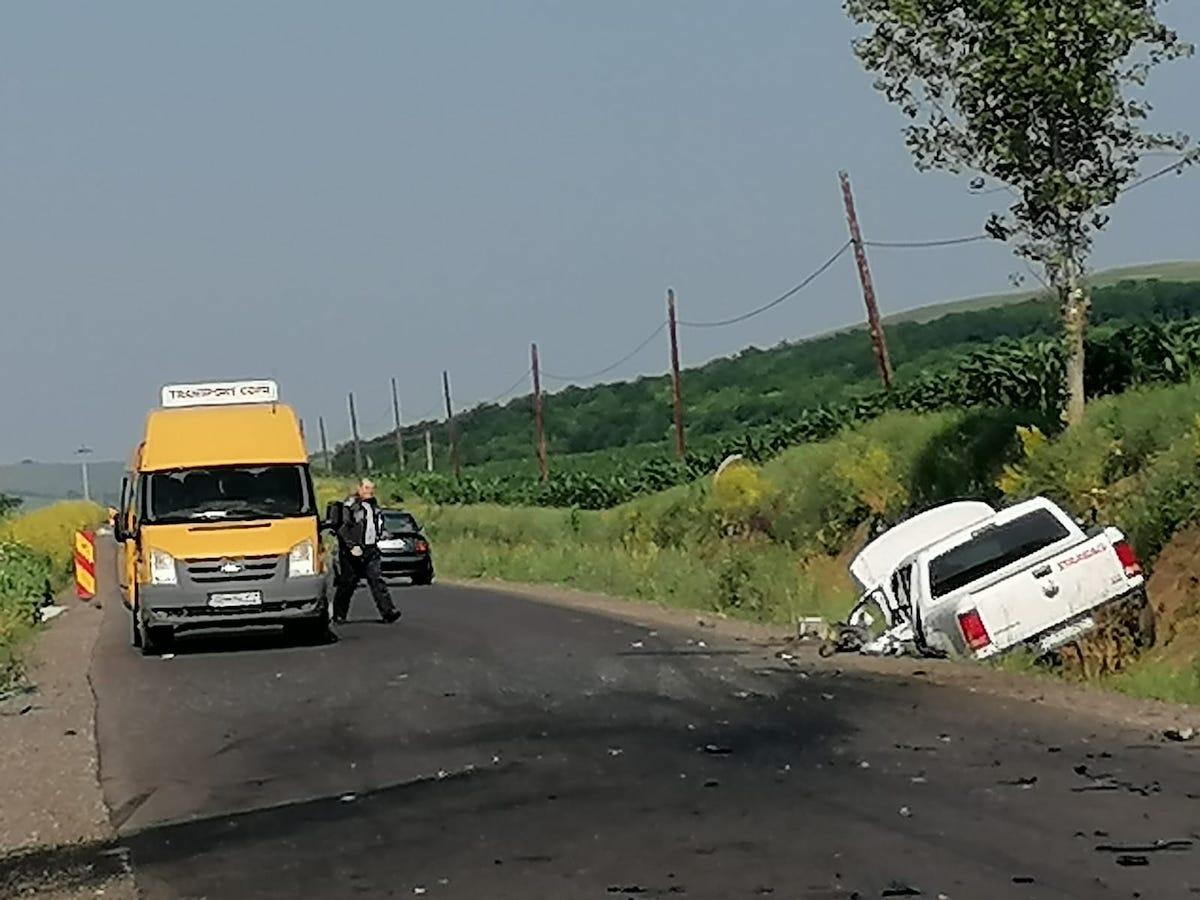 FOTO - Accident frontal între Loamneș și Alămor. Un tânăr este în stare gravă
