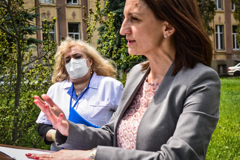 """""""Curat Caragiale"""". Daniela Cîmpean a primit alt răspuns decât PSD pe tema șefiei Spitalului județean"""