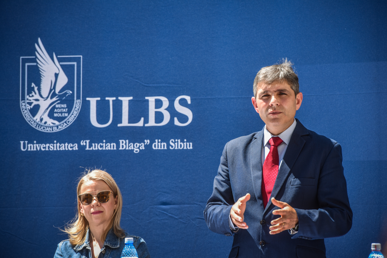 Admitere online la ULBS: Peste 5700 de locuri, din care aproape 3000 fără taxă