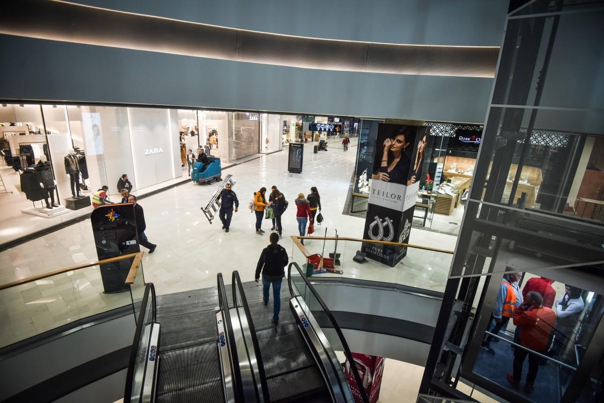 Președintele Iohannis a anunțat redeschiderea mall-urilor