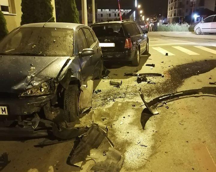 FOTO Trei mașini lovite în Sibiu, de un tânăr neatent