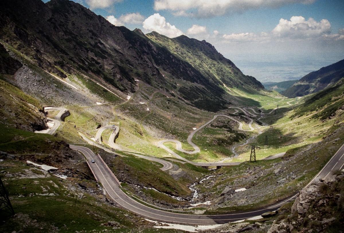 Compania SEAT recomandă Transfăgărășanul ca fiind una din cele mai frumoase șosele din Europa