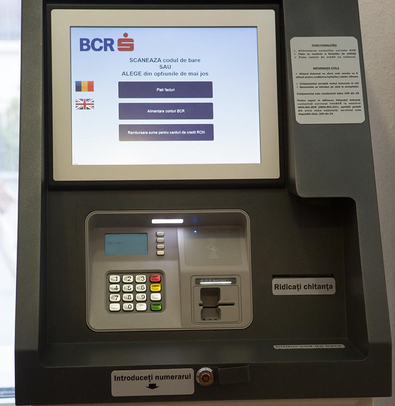 BCR oprește sistemul de carduri, în noaptea de vineri spre sâmbătă, pentru lucrări de îmbunătățire