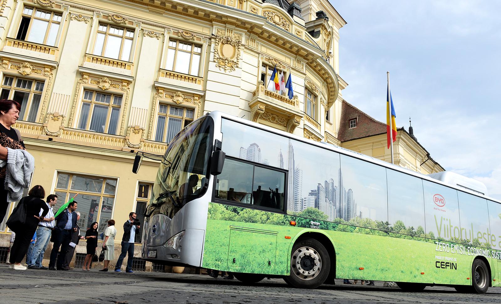 """Primăria Sibiu, despre achiziția autobuzelor GNC: documentația a fost întocmită nu prin metoda """"copy-paste"""", ci a avut în vedere interesul public"""