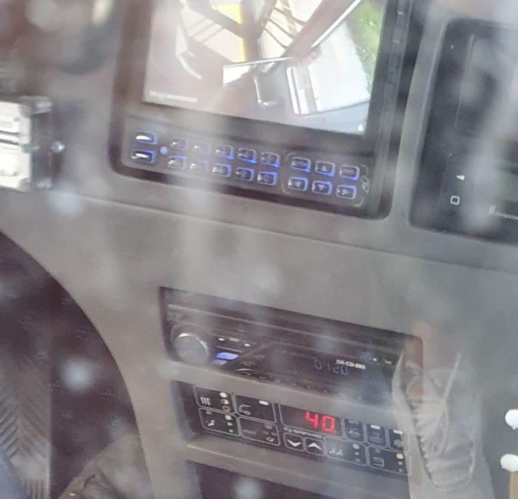 """VIDEO 40 de grade Celsius în autobuz nou Tursib. """"Te sufoci și fără mască"""""""
