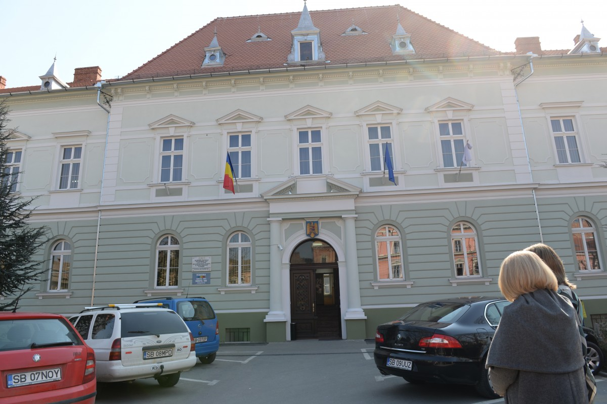 COVID-19: Patru angajate ale Primăriei Sibiu testate pozitiv