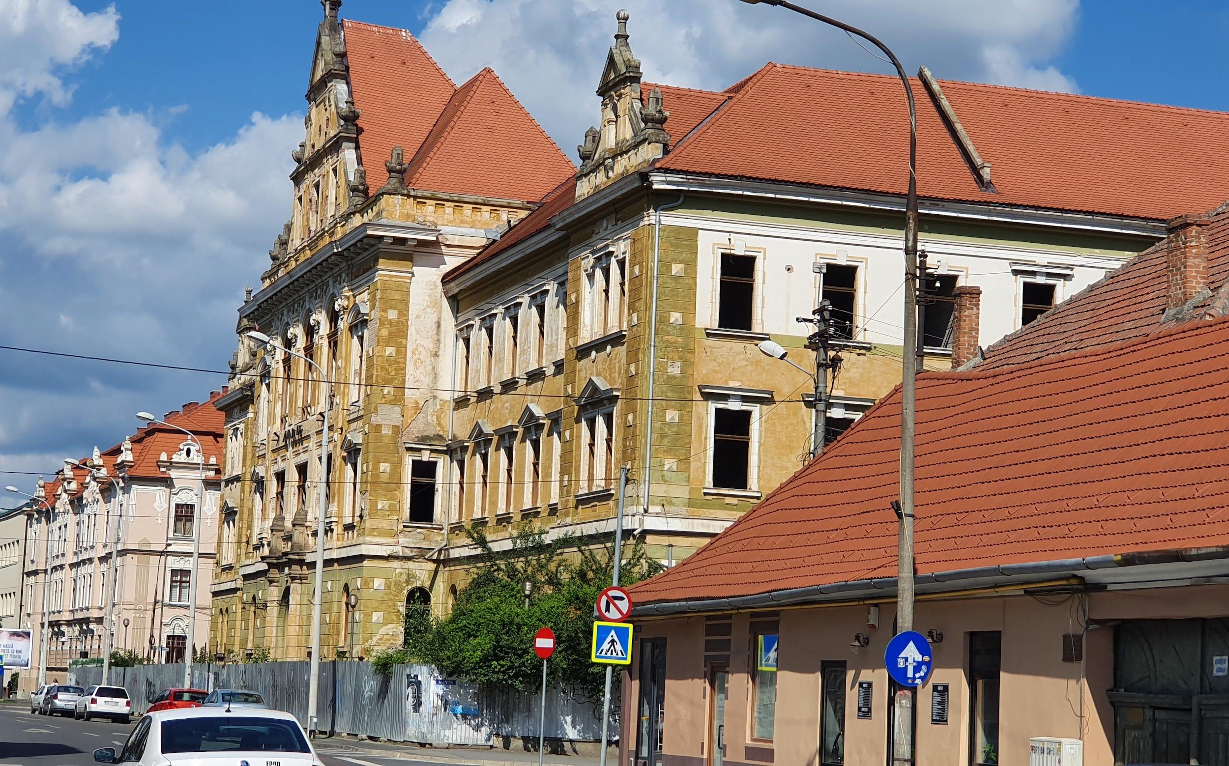 """Reabilitarea Palatului Justiției din Sibiu, reluată """"de la zero"""": judecătorii sibieni caută un expert"""