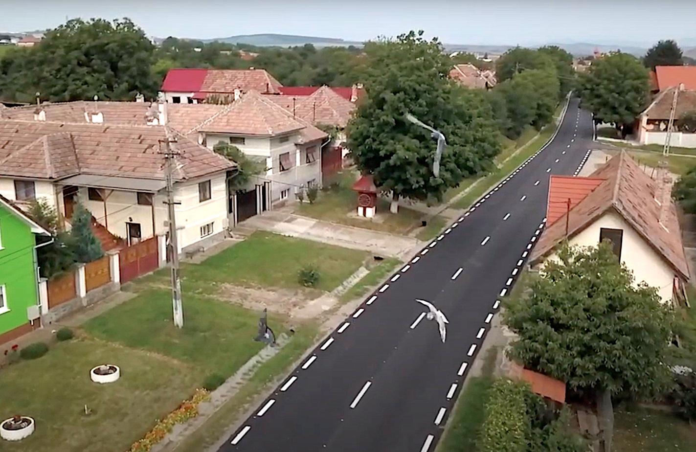 VIDEO Autoritățile promit anul acesta 50 de km de covoare asfaltice noi pe drumurile județene