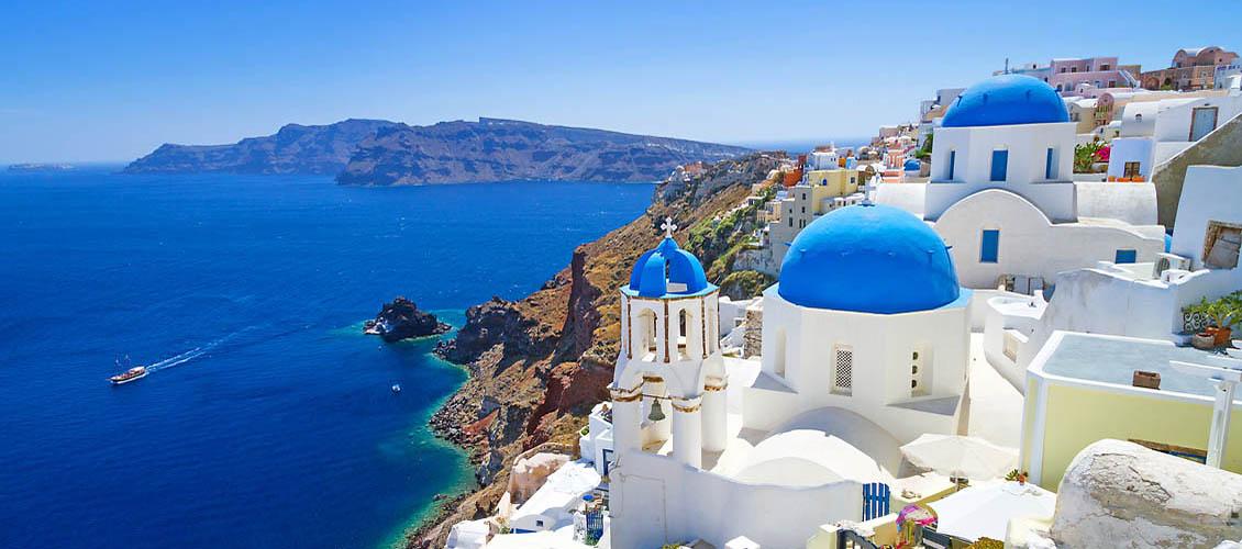 Noi măsuri pentru intrarea în Grecia. Se cere test negativ și pentru cei care aleg călătoria cu avionul