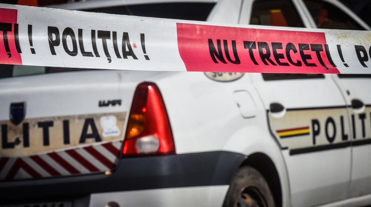 Un instructor auto din Sibiu face lecții fiind băut, în dreapta. A lovit un pieton și a fugit