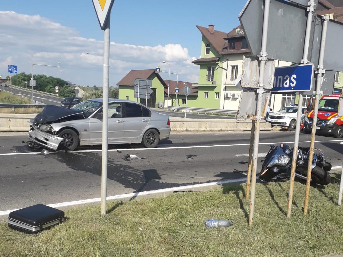 Accident grav la ieșirea de pe autostradă, la Săliște, provocat de un motociclist