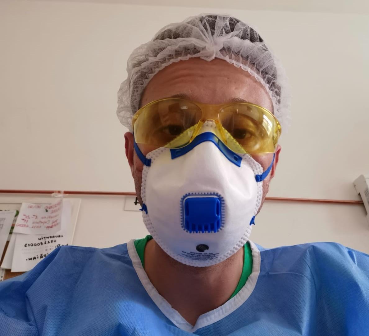 """Un medic sibian a plecat în noul """"focar de coronavirus"""" din România: """"am emoții mari"""""""