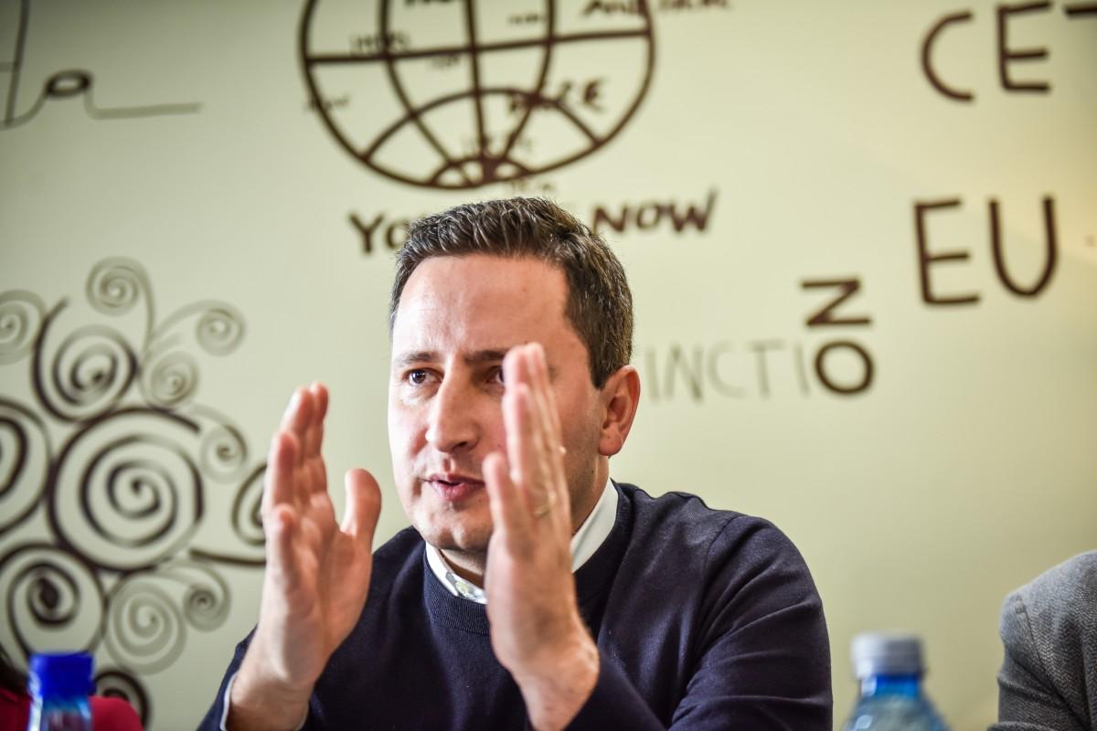 Europarlamentarul Nicu Ștefănuță și-a depus raportul: activitatea, sediile și banii
