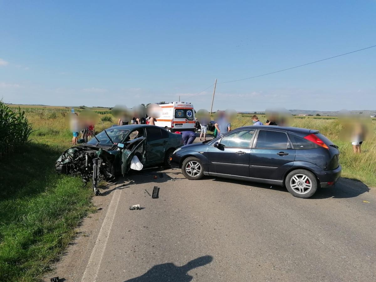 Femeia rănită grav, într-un accident provocat de un șofer de 18 ani, se recuperează