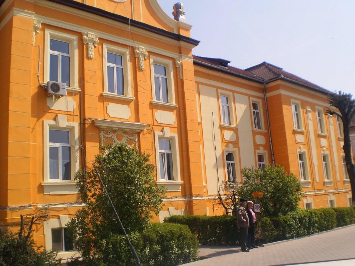 Actualizare: Cadrele medicale de la Mediaș s-au infectat în afara spitalului