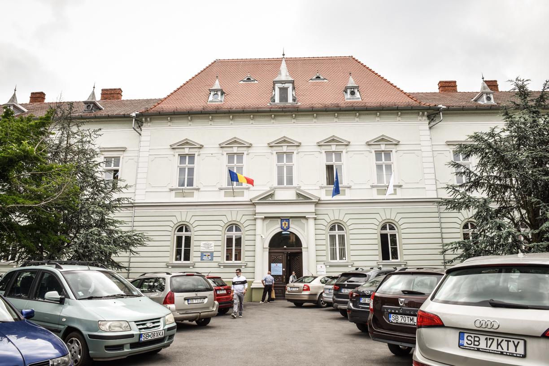Primăria Sibiu primește cereri pentru acordarea tichetelor sociale elevilor  din medii defavorizate