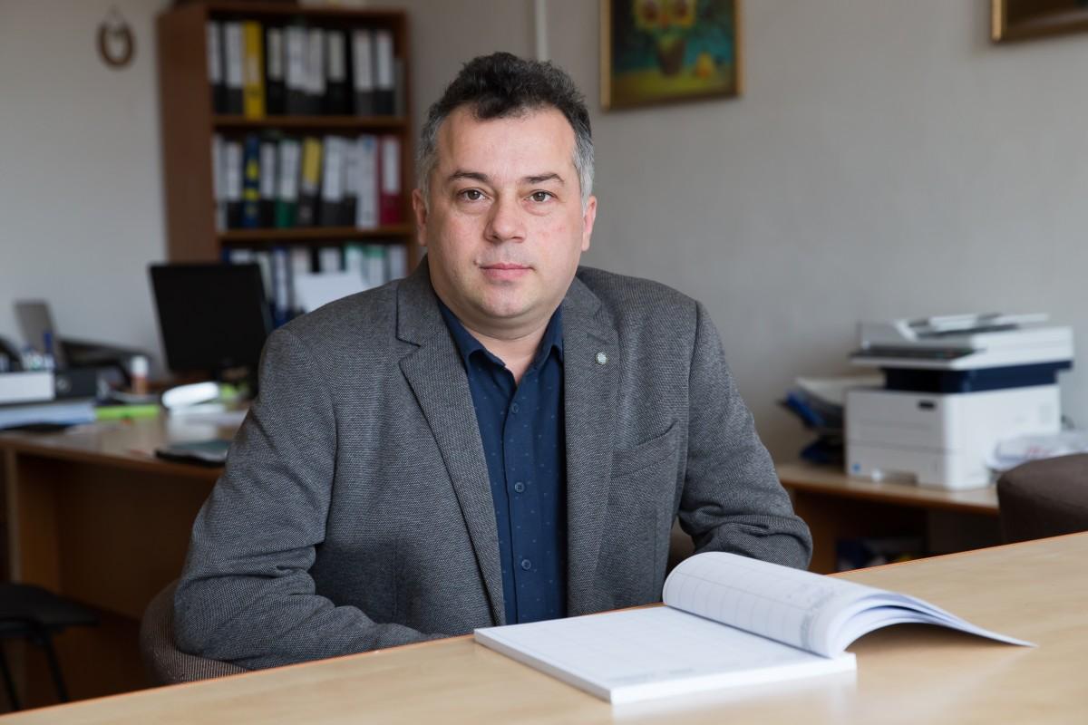 Șeful Inspectoratului Școlar candidează: Îmi doresc să fiu vocea care să facă auzite problemele elevilor