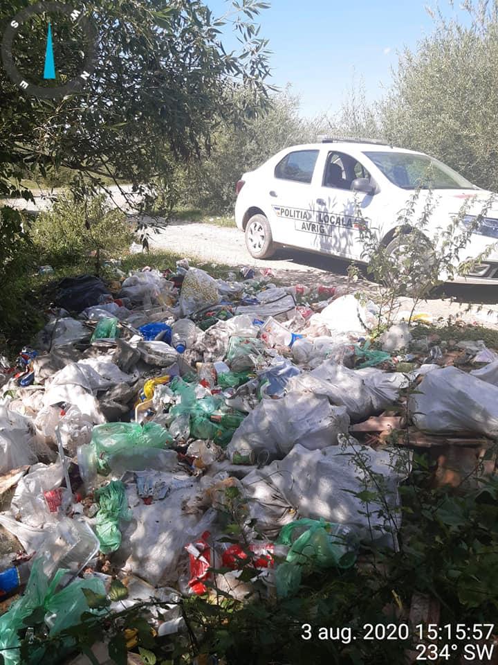 Polițiștii din Avrig au găsit și amendat o persoană, după ce au căutat în gunoi