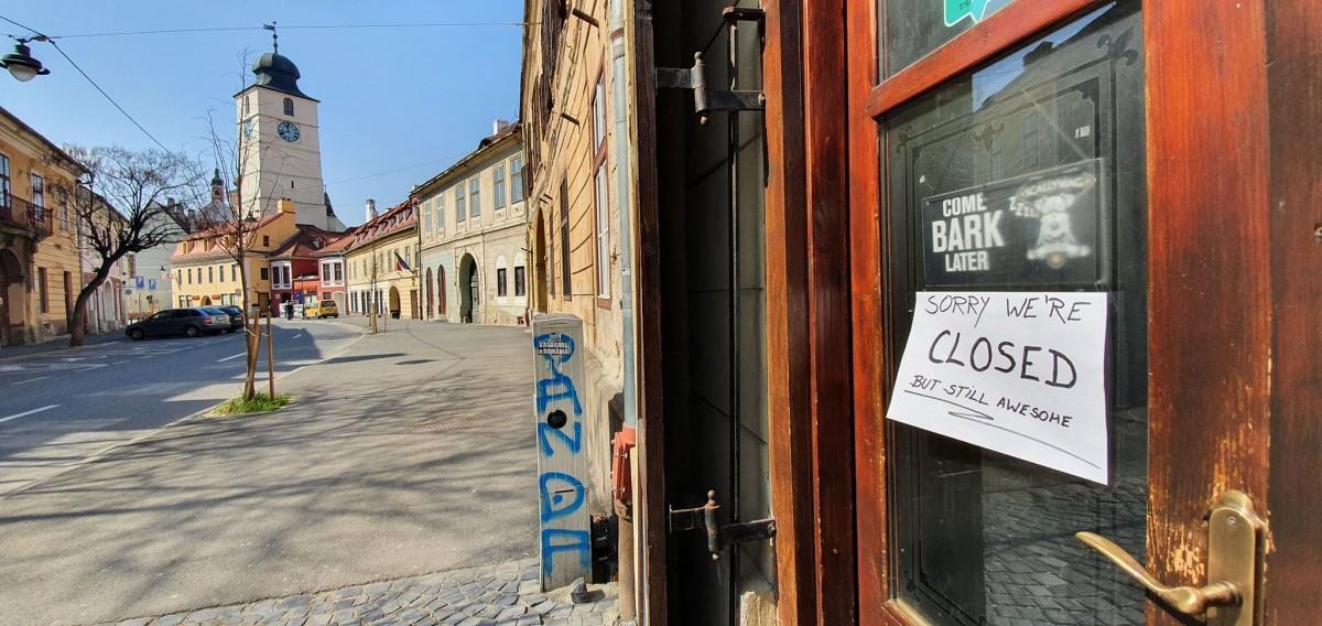 """Regulile care trebuie respectate în localuri, de astăzi. Proprietar din Sibiu: """"Eu nu deschid încă"""""""