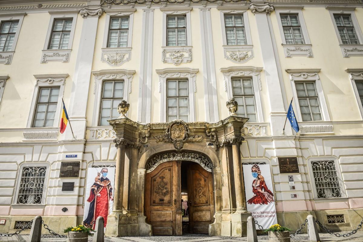 """Ministrul Culturii, în vizită la Muzeul Național Brukenthal: """"E un patrimoniu uriaş"""""""