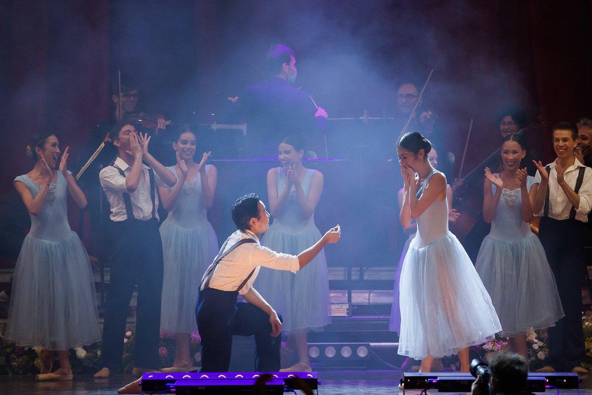 Cerere în căsătorie pe scena Teatrului de Balet Sibiu - FOTO