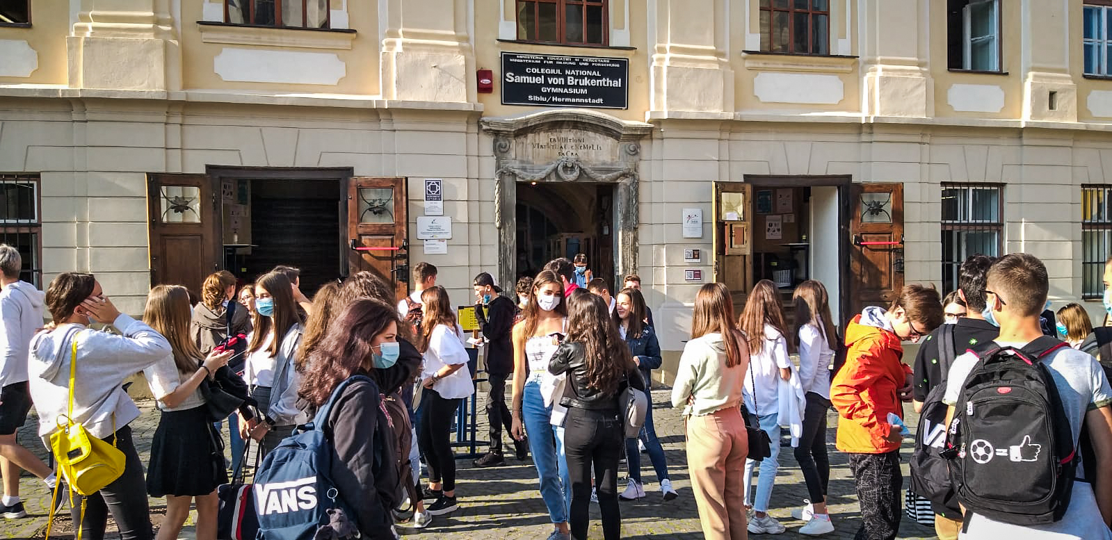 Conflict la Brukenthal între părinții elevilor din ani terminali și conducere. Motivul: orele de după-amiaza