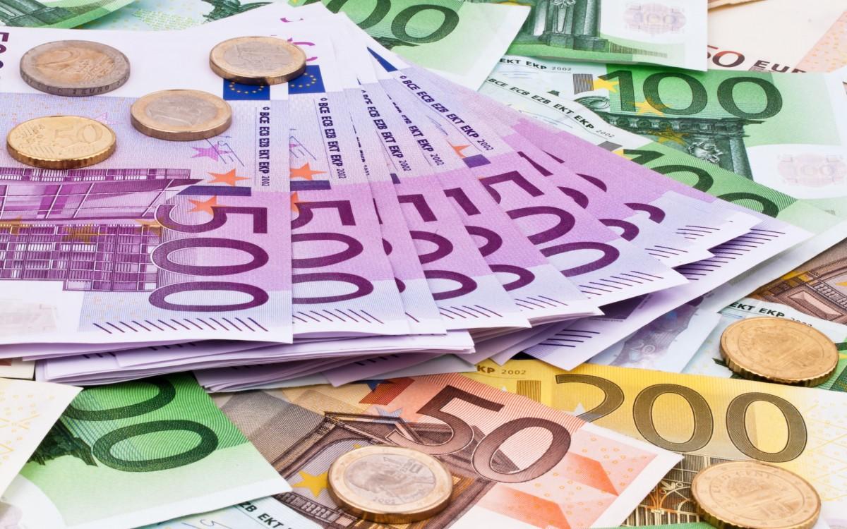 Euro înregistrează un nou maxim istoric. Cursul BNR - 4,8586 lei/euro