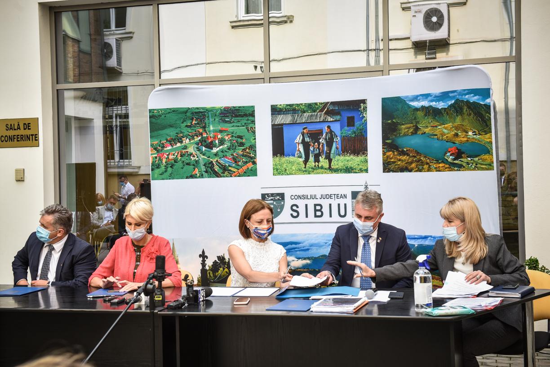 Parteneriate cu CNAIR: fonduri europene pentru centura de sud a Sibiului și centura Mediașului