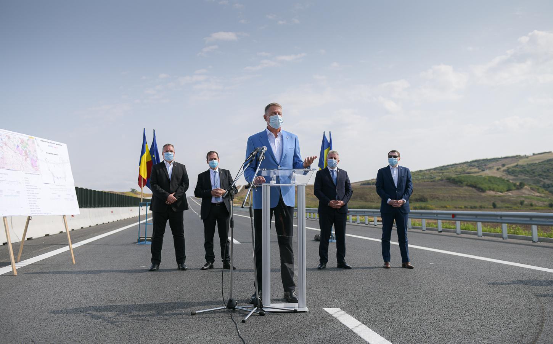 Video Iohannis la inaugurarea noului tronson de autostradă: trebuie să lucrăm mai repede