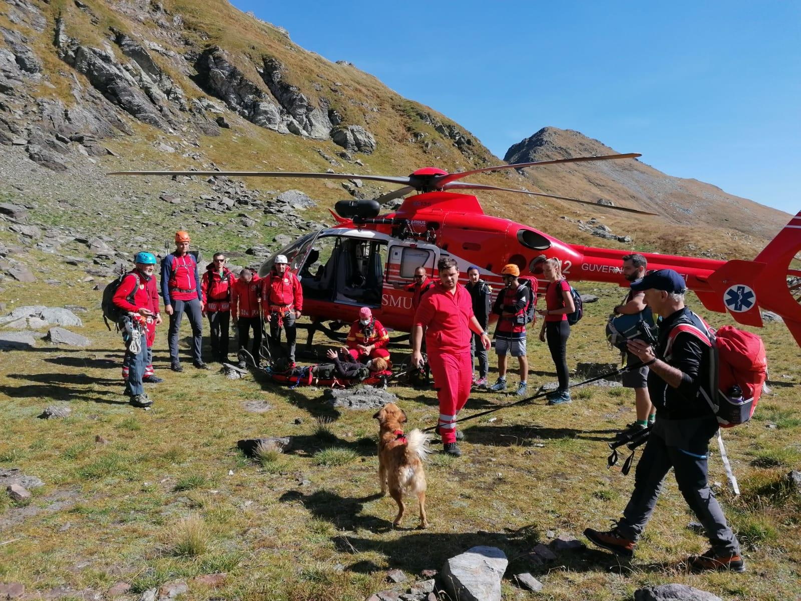 Turistă preluată cu elicopterul SMURD după ce s-a accidentat pe creasta munților Făgăraș