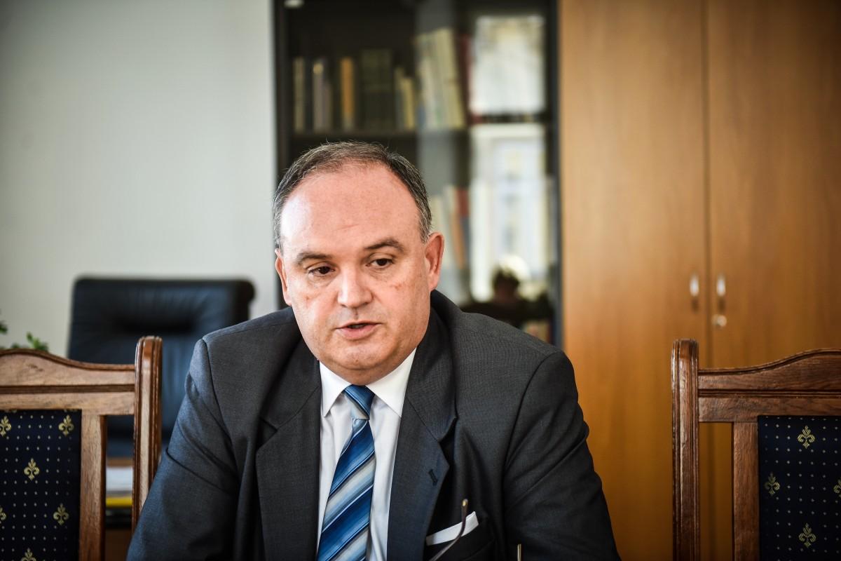 """Ganț acuză PSD și UDMR că au vrut să lase minoritățile fără reprezentanți în secții. """"Mizerabili..."""""""