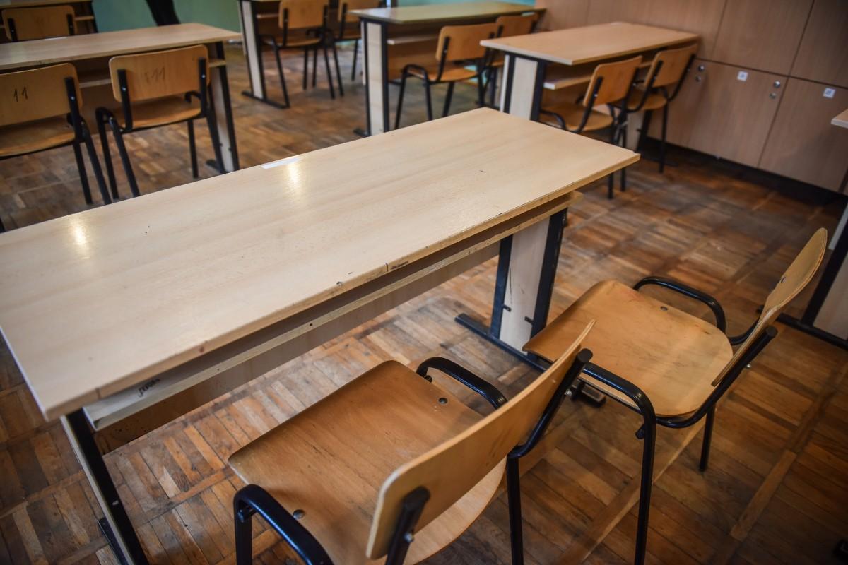 ISJ Sibiu: opt persoane depistate pozitiv în școlile sibiene. 528, în izolare
