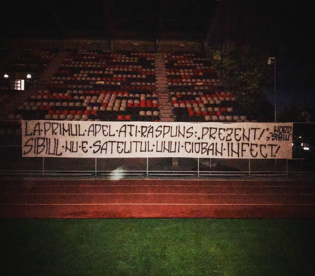 """Galeria lui FC Hermannstadt, război cu conducerea clubului: """"Nu acceptăm asocierea cu cel mai grețos personaj din fotbalul românesc"""""""