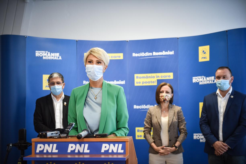 Raluca Turcan, alături de ministrul Boloș: Guvernul PNL sprijină administraţia locală sibiană