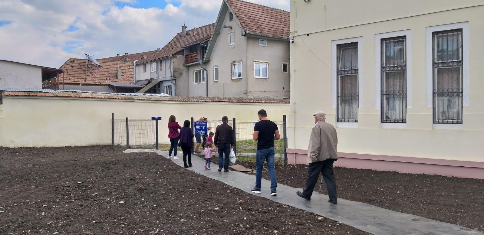 Cum au votat cei din cartierul Arhitecților: jumătate au mers pe mâna unui singur candidat