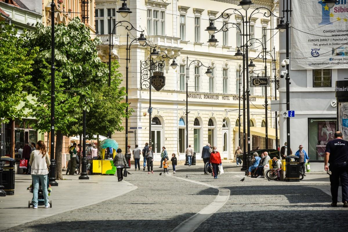 Comerciant stradal din centrul Sibiului amendat cu 1.000 de lei. Nu era pregătit în caz de incendiu