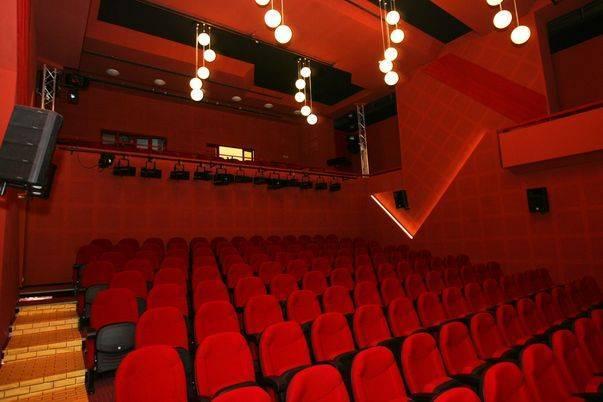 """Câte locuri vor mai fi disponibile dacă vrem să mergem la teatru, în Sibiu: """"Încercăm să oferim 100"""""""