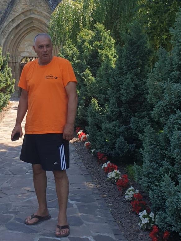 """Cristin Magheru a pierdut Primăria Cârța la șase voturi. """"A fost grup infracțional organizat!"""""""