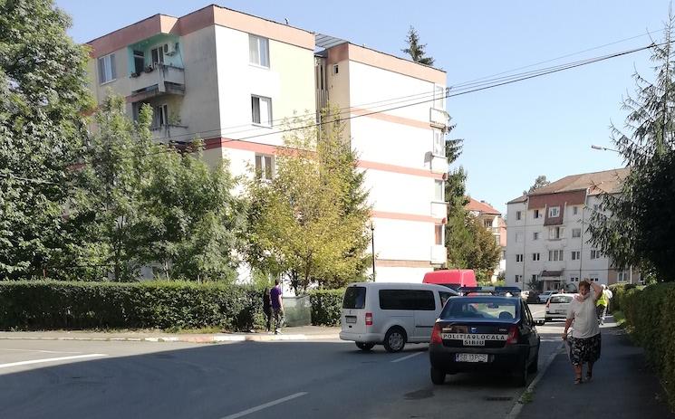 """FOTO - 14 mașini au fost ridicate de pe strada Hațegului. Primăria: """"Am anunțat public"""""""