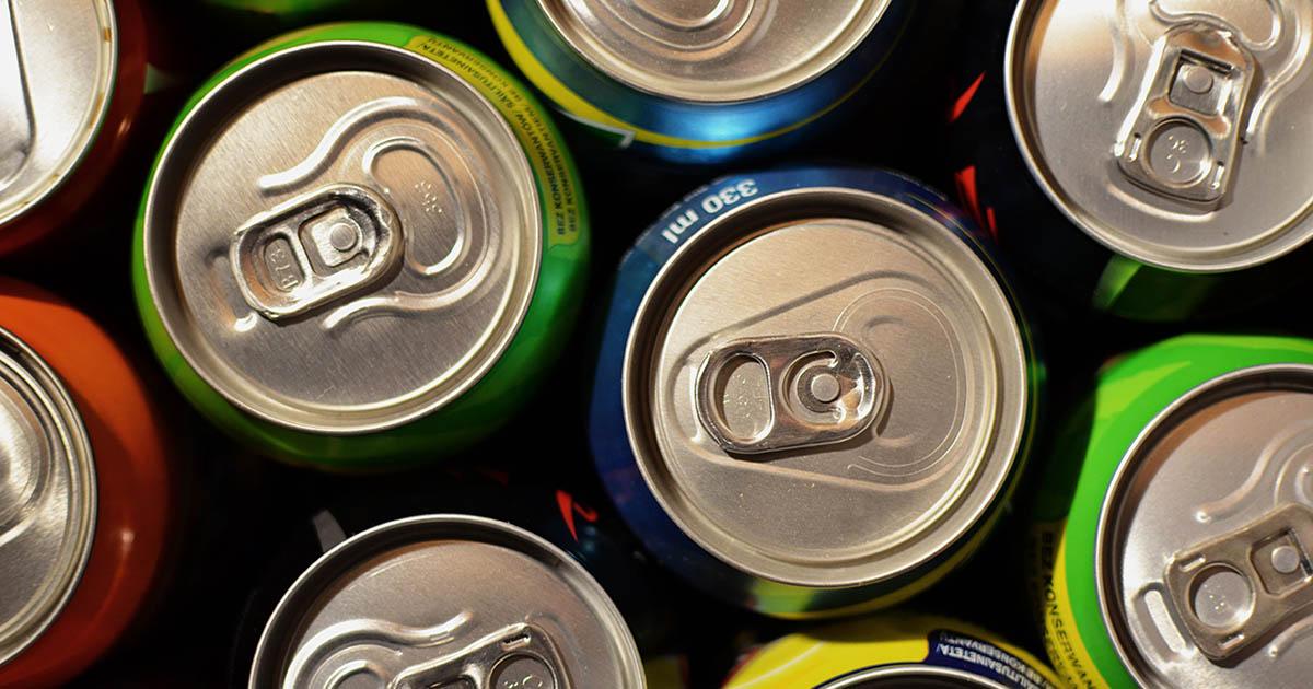 Minorii nu vor mai avea voie să cumpere băuturi energizante. Acestea vor fi scoase și din automate