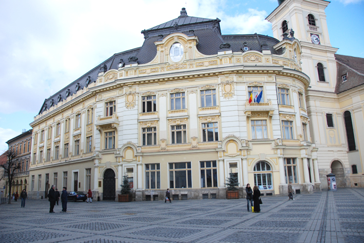 Primăria Sibiu distribuie măști de protecție persoanelor defavorizate din municipiul Sibiu