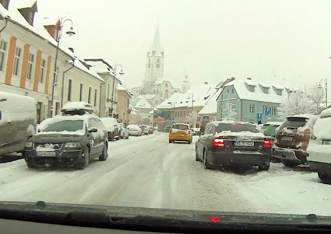 VIDEO Cum arată un drum din Ștrand până în Centru, în prima zi de școală și cu ninsoare serioasă în 2021