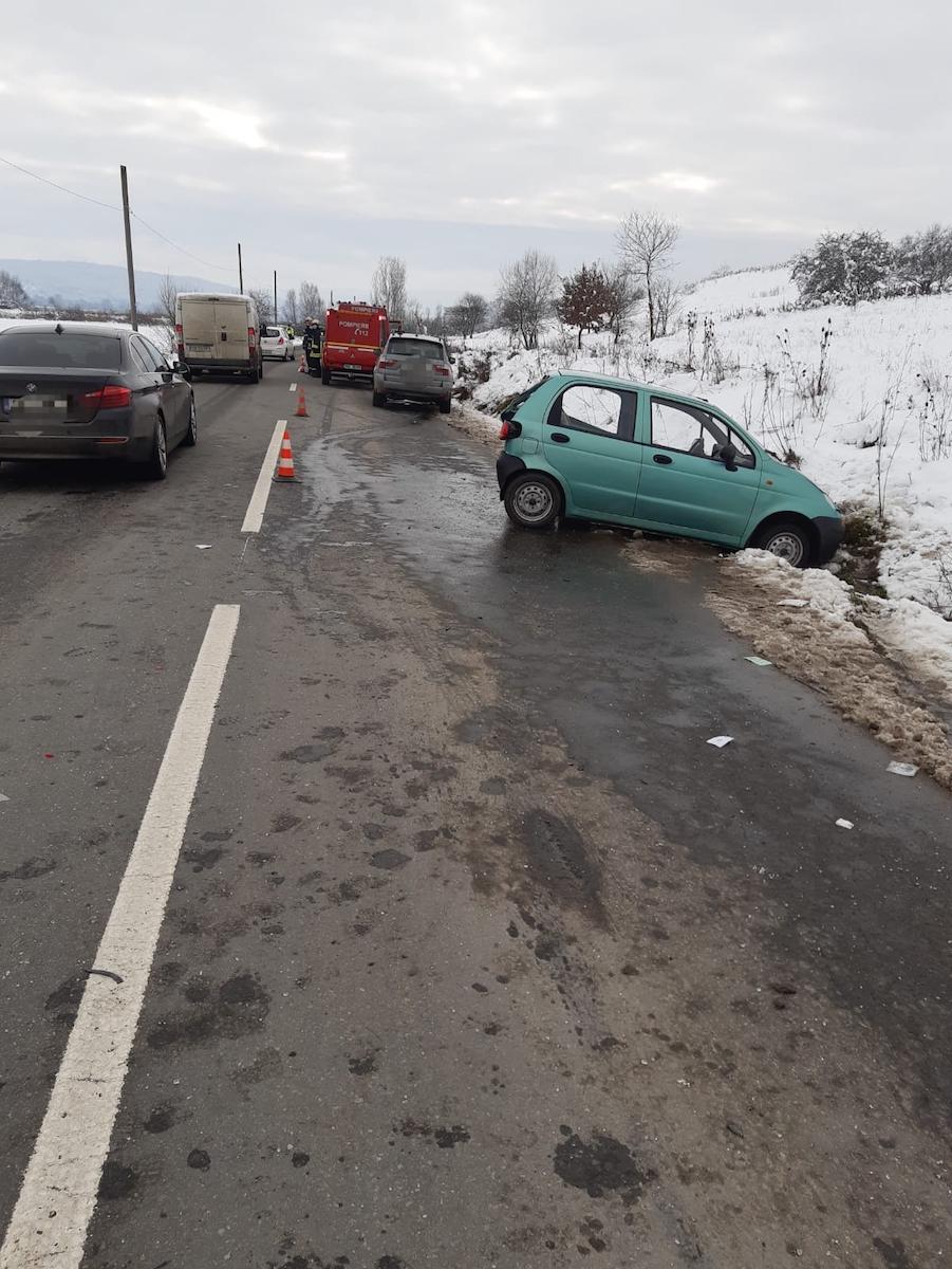 Accident rutier cu două victime, cauzat de un șofer care nu a păstrat distanța în mers