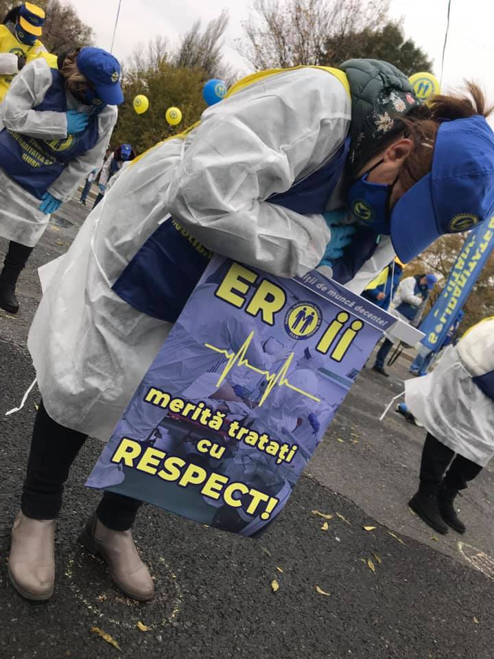 Mâine lucrătorii din sănătate vor protesta și la Sibiu. Cer public parlamentarilor sibieni să reacționeze